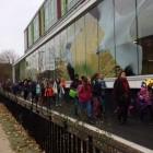 Les élèves arrivent à leur nouvelle école